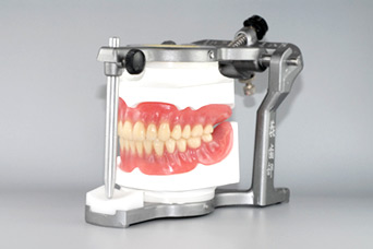 熱可塑性樹脂義歯